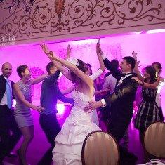 taniec pociag podczas wesela